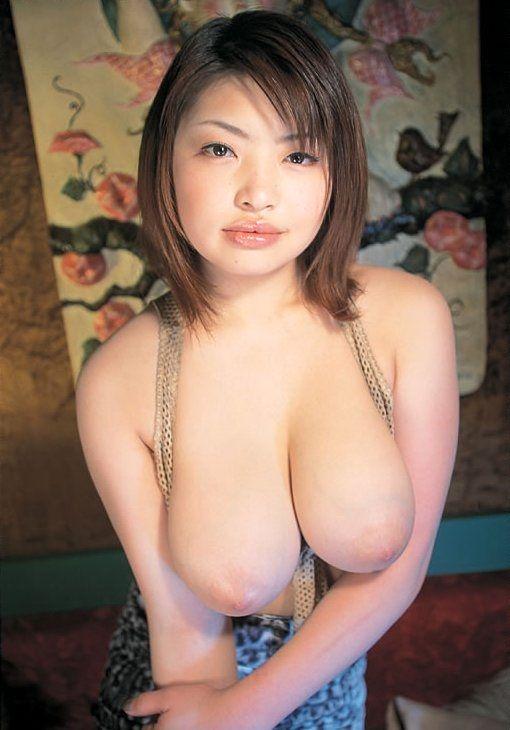 エロい女の超巨乳