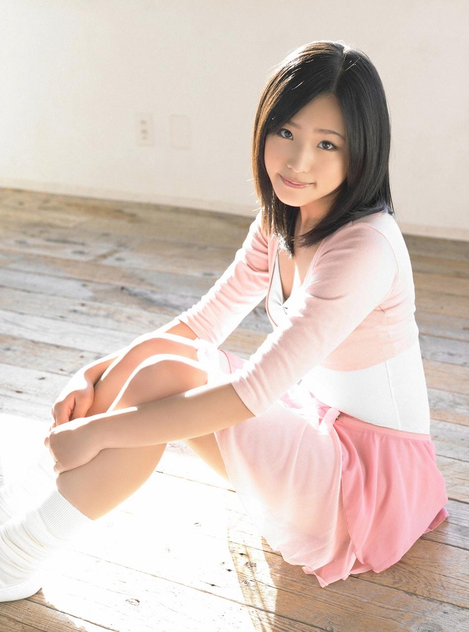 Японки в миниюбках 15 фотография
