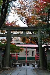 晩秋の嵐電「車折神社駅」