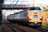 大阪駅へ回送中の485系「雷鳥」