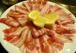 沖縄の「金城」北谷町(石垣牛とアグー豚焼肉)を食す!