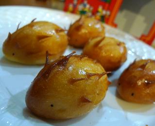 1946年から横浜中華街で中華食材のお店をしている「耀盛號(ようせいろう)」のハリネズミまん