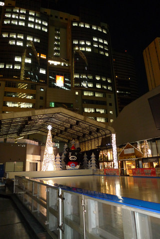 赤坂サカスのクリスマスイルミネーション