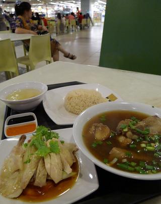 1泊4日、シンガポールの旅  - チャンギ空港内の屋台村(ホーカーズ)