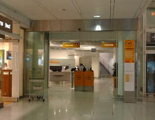 初めてのバルセロナ旅行--ルフトハンザ・セネター(senator)ラウンジ @ミュンヘン国際空港