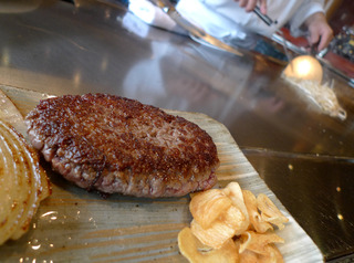 恵比寿でしか食すことのできないブランド牛「恵比寿牛」平日限定10食ハンバーグランチを食す! @鉄板焼 恵比寿