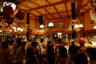 東京ディズニーランド・クイーン・オブ・ハートのバンケットホール