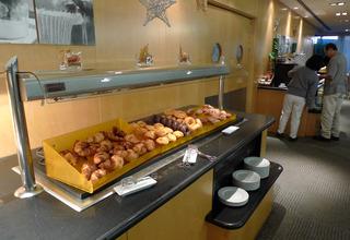 初めてのバルセロナ旅行--トリップ バルセロナ エアロプエルトの朝食(Tryp Barcelona Aeropuerto)
