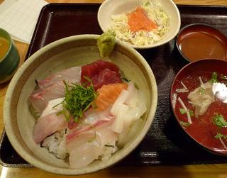 博多魚がし 海鮮丼を食す!@福岡市 鮮魚市場 市場会館