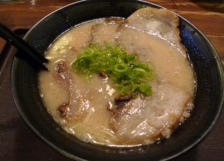 博多でトンコツラーメンを食す!@福岡市 博多駅 とんこつラーメンめん吉「めんきち」