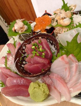 赤坂の新鮮海鮮魚介市場風居酒屋「丸冨水産(まるとみすいさん)」赤坂店