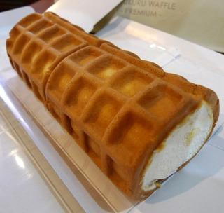 RL(エール・エル)新保哲也アトリエのくるくるワッフルロールケーキ「贅沢ホワイト生ロール」