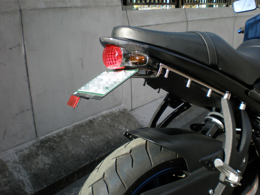 ビューエル レオ製ショートテールキット