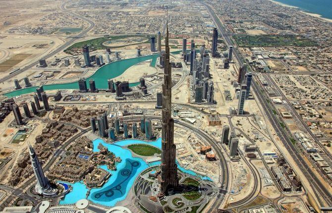 世界一の高さを誇るドバイの「ブルジュ・ハリファ」