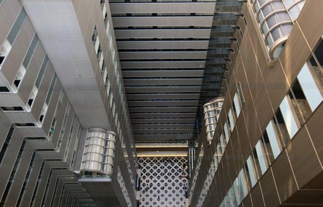 29階のレストランフロアからはこのように吹き抜けを見下ろすこと