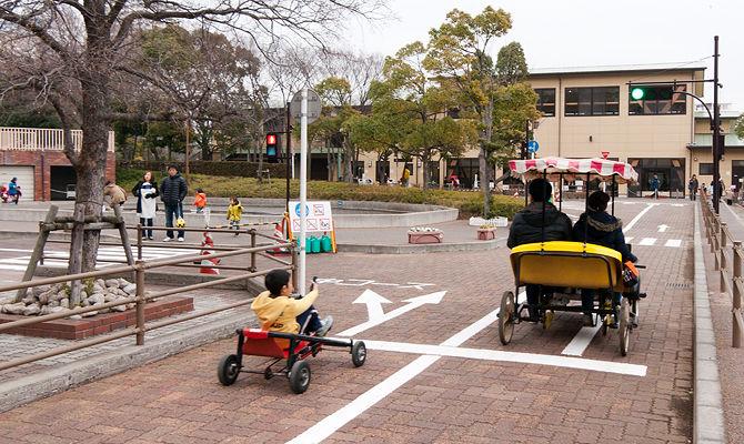 交通に関する正しいルールや優しいマナーを知っておくことは必須