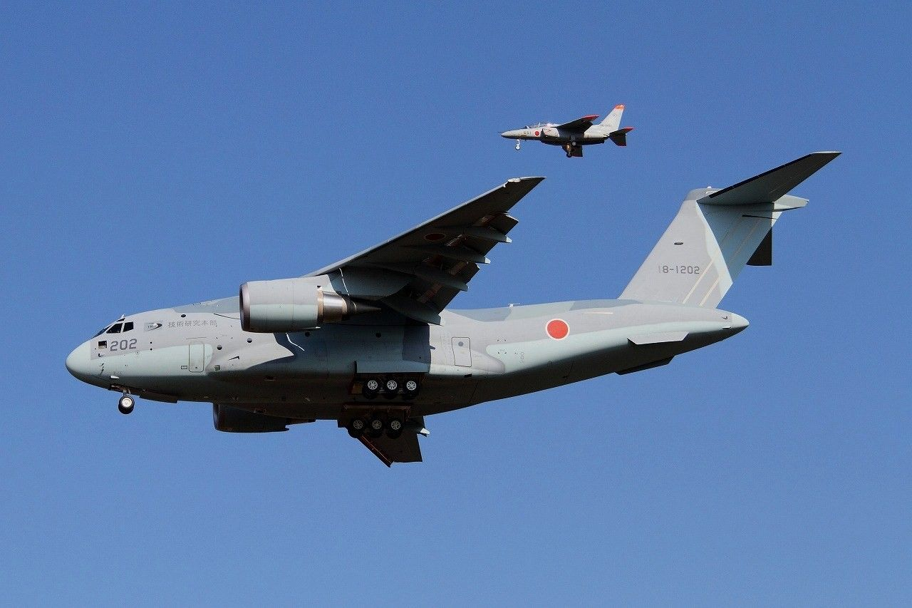 Asia's A-400 beater flies, 2nd prototype. Beats Embraers ...