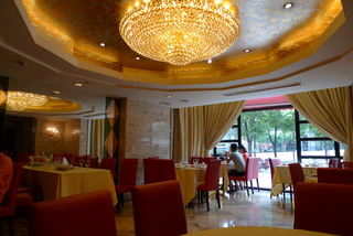 中国・上海の紅焼肉の名店新南華大酒店 @上海马戏城