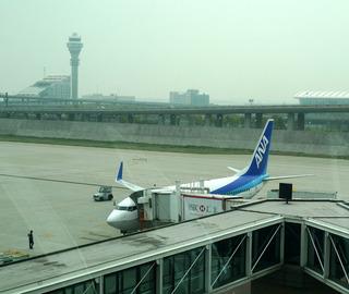 上海浦東空港発、名古屋中部セントレア空港行きの全日空NH940便