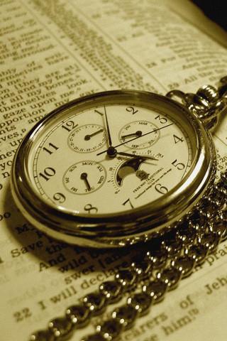 時計は人間に時間を与えた。ケータイは人間に何を与えるのか。