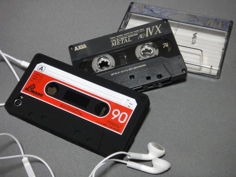 カセットテープから…イヤホン!?